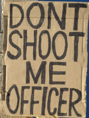 Don't Shoot Me Officer - No Me Dispares Oficial